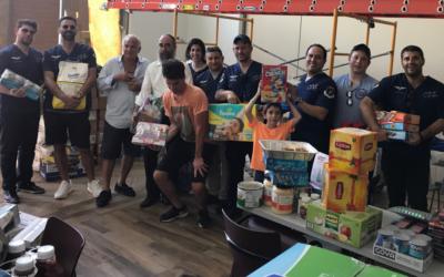 Les 12 membres de l'équipe d'Eli Rowe au Habad de San Juan, la capitale de Puerto Rico, le 25 septembre 2017. (Crédit : Eli Rowe via JTA)