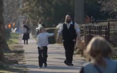 Jamais sans mon fils. Brooklyn Yiddish raconte l'histoire d'un père qui va contre les lois de sa communauté pour récupérer son fils (Crédit: capture d'écran Dailmotion/Première)