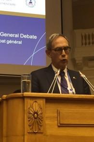Nachman Shai (Union sioniste) à l'assemblée de l'Union interparlementaire à Saint-Pétersbourg, le 18 octobre 2017 (Crédit : Porte-parole de la Knesset)