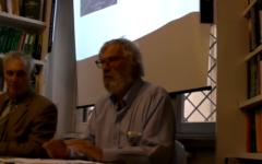 Serge Thion en 2010 lors d'une conférence en Italie (Crédit: capture d'écran Youtube/Odorifero)