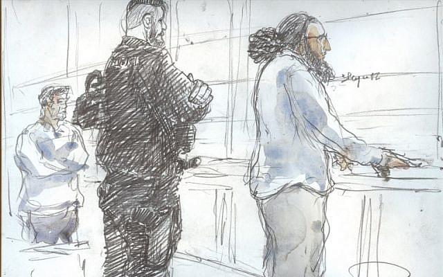 Une esquisse faite par le tribunal le 2 novembre 2017 montre Abdelkader Merah (d) le dernier jour de son procès au palais de justice de Paris. (Crédit :  AFP / Benoit Peyruco)