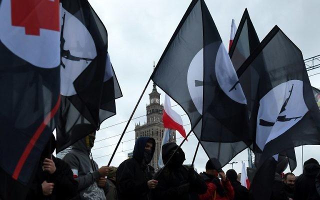 Manifestation pour l'anniversaire de l'indépendance de la Pologne, le 11 novembre 2017. (Crédit : AFP/Janek Skarynski)