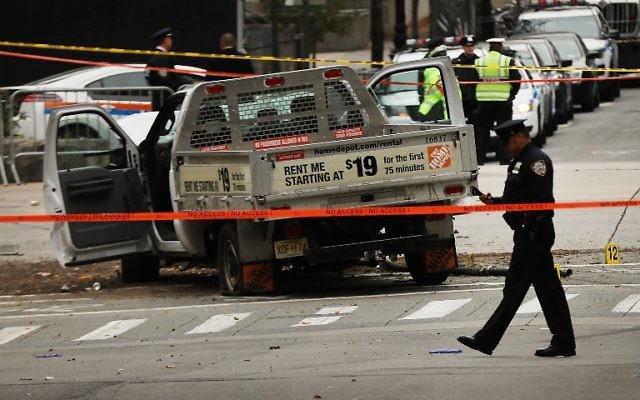 Le véhicule utilisé pour un attentat à la voiture bélier à New York, le 31 octobre 2017, photographié le 1er novembre 2017. (Crédit : Spencer Platt/Getty Images/AFP)