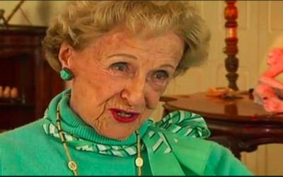 Joan Howard, une femme australienne accusée de vol d'antiquités par des archéologues égyptiens, vu dans une interview à partir de novembre 2017. (Crédit : Capture d'écran de Ouest Australie)