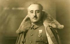 Le dictateur espagnol Francisco Franco en 1930, neuf ans avant qu'il ne prenne le pouvoir (Crédit : domaine public)