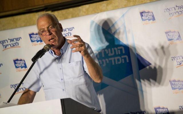 Le ministre de l'Agriculture Uri Ariel lors d'une conférence du parti de l'Union nationale à Jérusalem le 12 septembre 2017 (Crédit :  Yonatan Sindel/Flash90)