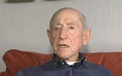 Le survivant de l'Holocauste Henry Flescher a été sorti de sa voiture quelques secondes avant qu'elle ne soit frappée par un train le 31 octobre 2017 (Capture d'écran : : YouTube)