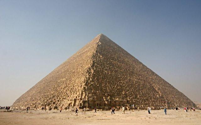 La pyramide de Kheops. (Crédit : Wikimedia -CC-BY-SA-3.0)