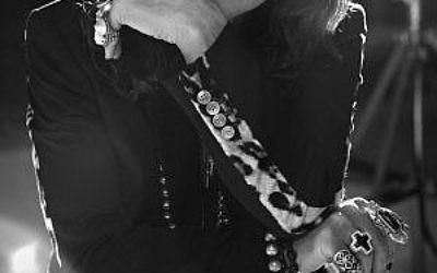 Ozzy Osbourne, père du heavy metal, dans une pose pensive (Autorisation :  Ozzy Osbourne)