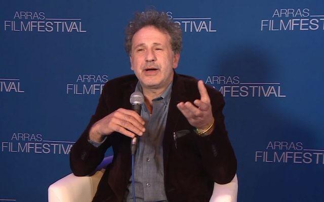 Emmanuel Finkiel réalisateur de La Douleur. (Capture d'écran YouTube)