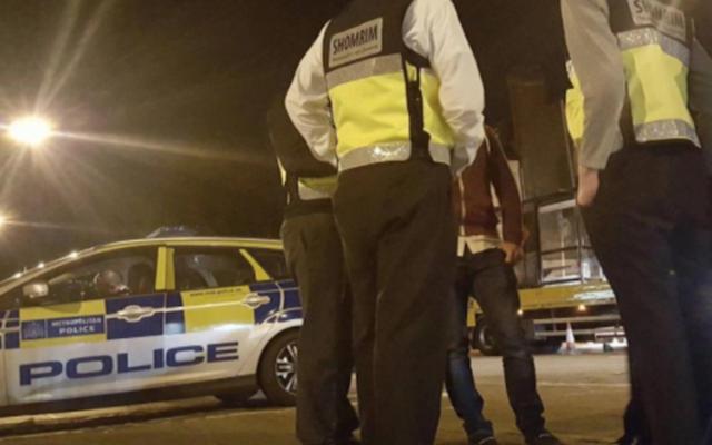 La branche de l'organisation Shomrim sur les lieux d'une attaque antisémite à Stamford Hill, au mois de novembre 2017 (Crédit : Twitter via JTA)