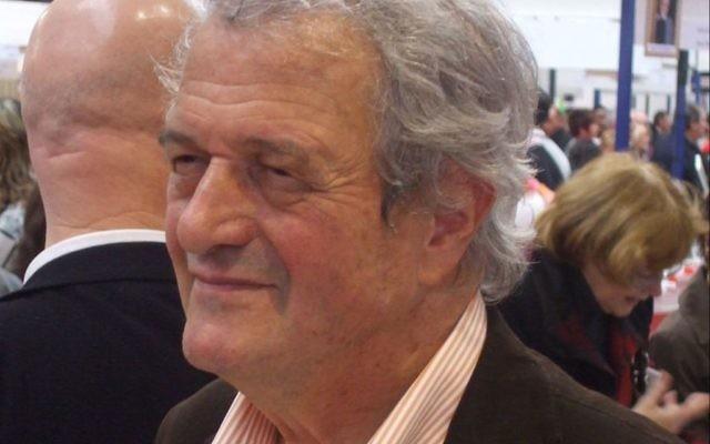 Philippe Alexandre, à la foire du livres de Brive la Gailarde en 2010 (Crédit: Wikimedia Commons/Le Grand Cricri)