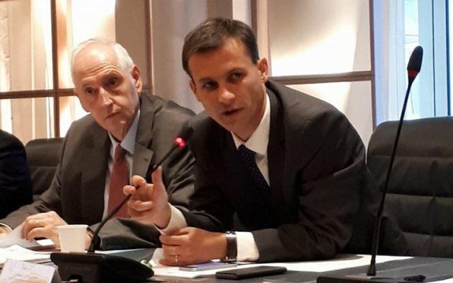 Le préfet Frédéric Potier (d.) de la DILCRAH en octobre 2017 (Crédit: Dilcrah)
