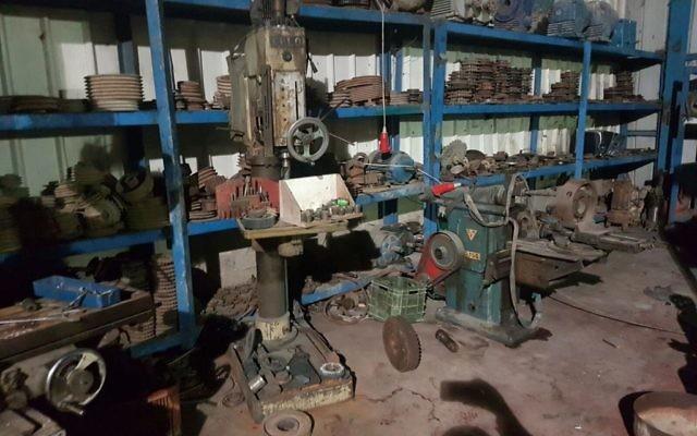 Atelier de fabrication d'armes illégales à Hébron qui a été scellé par Tsahal le 2 novembre 201  (Crédit : IDF)