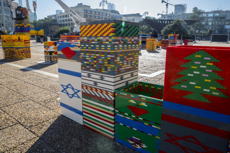 Avec cette tour en Lego, Israël espère battre le record du monde