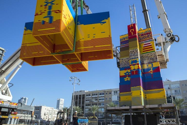 Israël : une tour en lego de 36 mètres candidate au Guinness