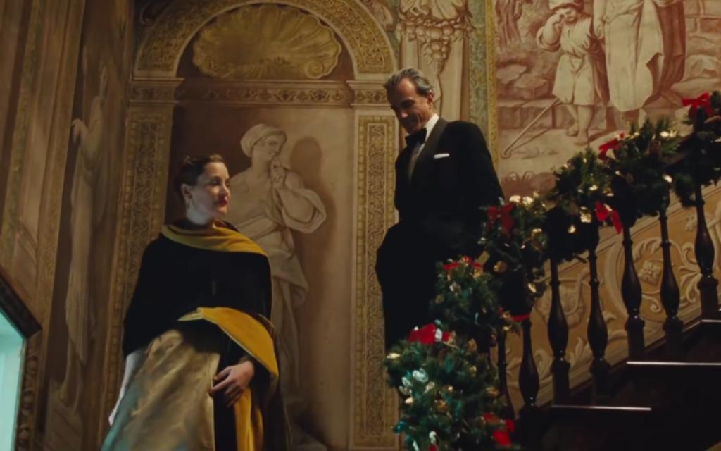"""Daniel Day-Lewis et Vicky Krieps dans """"'Phantom Thread"""", (Crédit : copie d'écran)"""