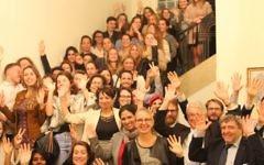 Hélène Le Gal (premier plan, centre), ambassadrice de France en Israël a accueilli le 5 décembre dernier 86 volontaires du Service civique français (Crédit: Elodie Sauvage/ambassade de France en Israël)