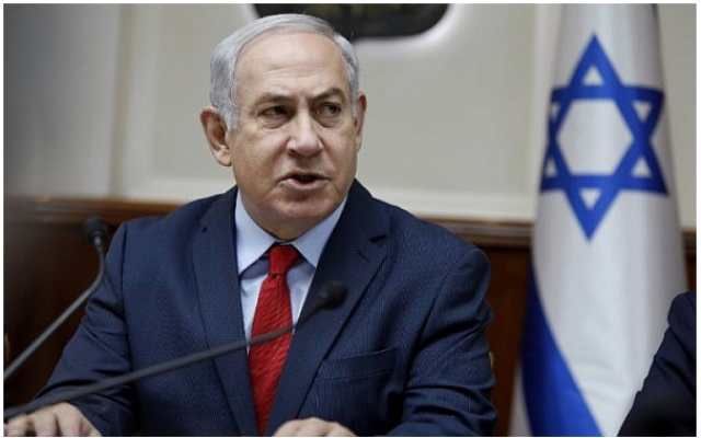 Le Premier ministre Benjamin Netanyahu lors de la réunion hebdomadaire du cabinet dans ses bureaux de  Jérusalem, le 31 décembre 2017 (AFP PHOTO / POOL / GALI TIBBON)