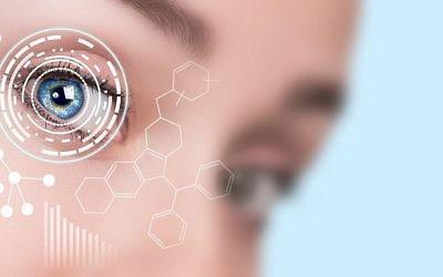Gros plan sur l'oeil d'une femme (Crédit : iStock)