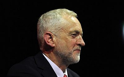 Jeremy Corbyn, chef du Parti travailliste britannique, lors d'un rassemblement à Glasgow, en Écosse, le 28 mai 2017 (Crédit: AFP / Andy Buchanan)