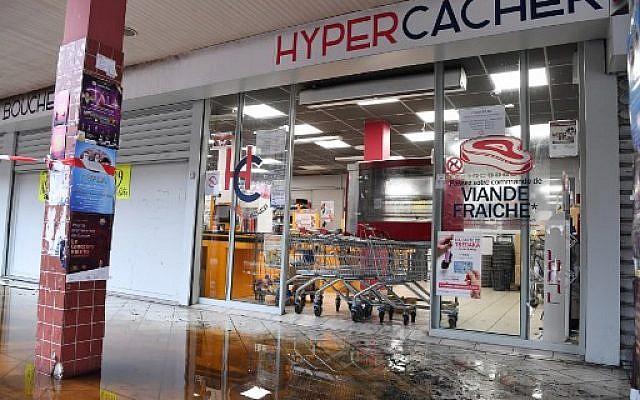 L'Hyper-Casher de Créteil, le 9 janvier 2018, adjacent du magasin Promo & Destock, un autre magasin casher de Créteil (Crédit: AFP PHOTO / ALAIN JOCARD)