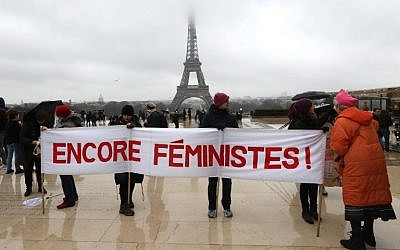 Manifestation féministe sur l'esplanade du Trocadéro, à Paris, le 21 janvier 2018. (Crédit : AFP / JACQUES DEMARTHON)