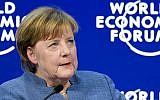 La chancelière allemande Angela Merkel après son discours au Forum économique mondial le 24 janvier 2018 à Davos, à l'est de la Suisse (Crédit : AFP PHOTO / Fabrice COFFRINI)