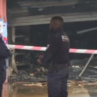 L'Hyper-Casher de Créteil, le 9 janvier 2018, adjacent du magasin Promo & Destock, qui a été incendié le 9 janvier 2018, une semaine après que des graffitis antisémites y ont été découverts (Capture d'écran :  AFP PHOTO)