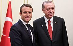 Emmanuel Macron et Recep Tayyip Erdogan le 25 mai dernier à Bruxelles. (Crédit : ERIC FEFERBERG / POOL / AFP)
