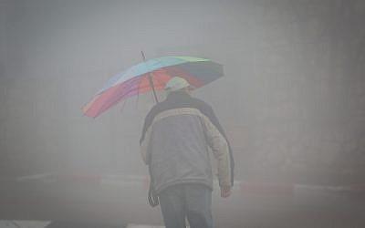 Importantes précipitations sur la ville de  Safed le 18 janvier 2018. (Crédit :(David Cohen/Flash90)