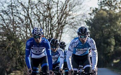 Des coureurs de l'Israel Cycling Academy, qui a reçu l'une des wild cards du Giro d'Italia pour participer à la course du 4 mai 2018 en Israël (Courtesy Noa Arnon)