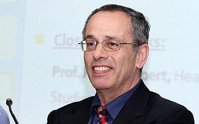 Le professeur Pinhas Alpert, spécialisé en sciences de l'atmosphère (Crédit: Amis de l'Université de Tel Aviv)