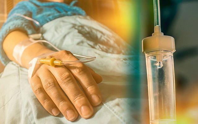 Image d'un patient atteint de cancer et sa perfusion goutte à goutte. (CIPhotos, iStock par Getty Images)