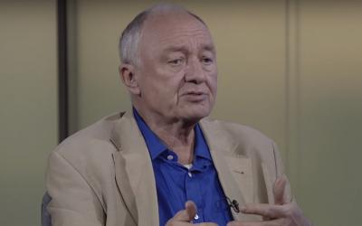 Ken Livingstone est apparu sur la chaîne de télévision iranienne Press TV à l'occasion de la Journée internationale du souvenir de l'Holocauste, le 27 janvier 2018 (Capture d'écran : YouTube)