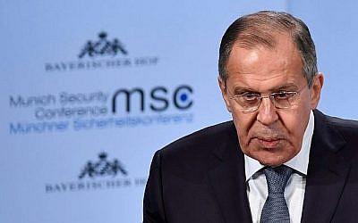 Le ministre russe des Affaires étrangères Sergei Lavrov prononce un discours lors de la Conférence de Munich sur la sécurité, le 17 février 2018, à Munich, en Allemagne. (AFP Photo/Thomas Kienzle)