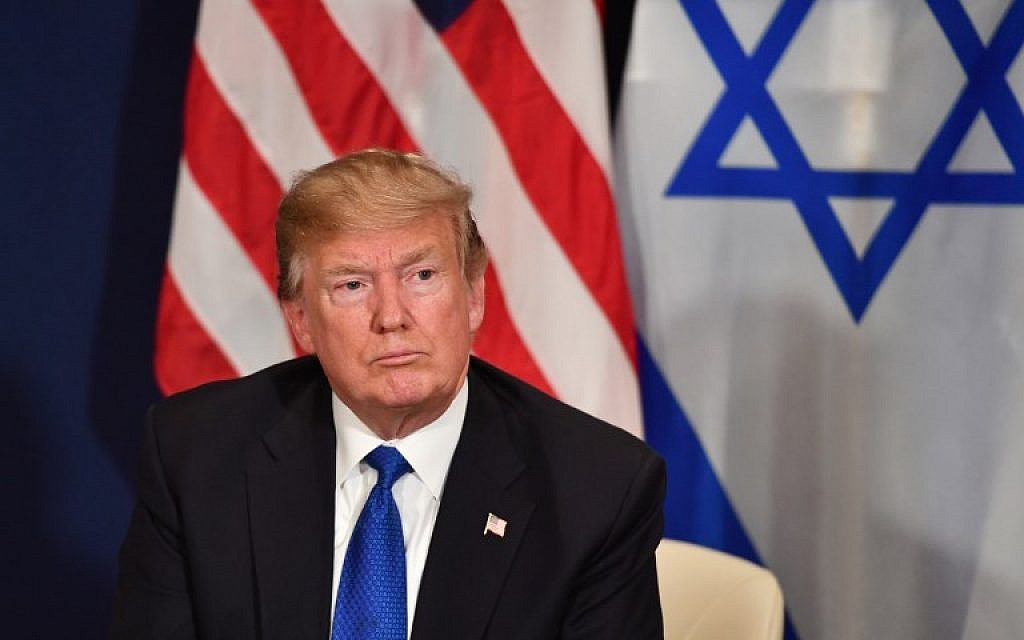 Le président américain Donald Trump lors d'une rencontre bilatérale avec le Premier ministre israélien en marge de la réunion annuelle du Forum économique mondial de Davos,en Suisse, le 25 janvier 2018 (Crédit :   AFP PHOTO / Nicholas Kamm)