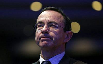 Le chef du groupe LR au Sénat français Bruno Retailleau au Conseil national des partis républicains (LR), le 27 janvier 2018 à Paris (Crédit : PHOTO AFP / GEOFFROY VAN DER HASSELT)