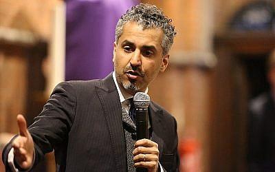 Maajid Nawaz lors d'un événement de campagne du parti des démocrates-libéraux à West Hampstead, à Londres, en 2015 (Crédit : Wikimedia commons/flickr/eregis)