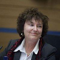 Madame Karnit Flug, Gouverneur de la Banque d'Israël lors d'une réunion de la Commission des Finances à la Knesset à Jérusalem le 06 janvier 2014. (Crédit photo: Flash90)
