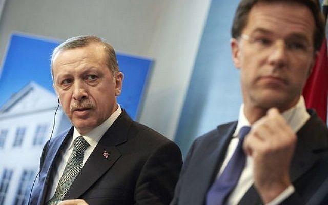 Recep Tayyip Erdogan et Mark Rutte, le 21 mars 2013 à Catshuis, la résidence officielle du chef du gouvernement néerlandais (AFP/Martijn Beekman)