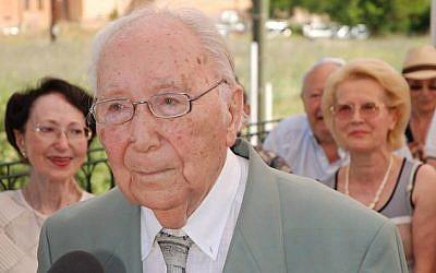 L'avocat juif Sidney Chouraqui, combattant de la Résistance et co-fondateur de la Licra, est mort à l'âge de 103 ans. (Crédit : page Facebook Site-mémorial du Camp des Milles)