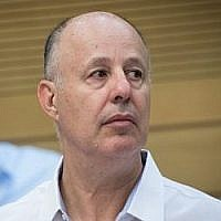 Le ministre de la Coopération régionale Tzachi Hanegbi à la Knesset, le 9 juillet 2017. (Yonatan Sindel/Flash90)