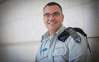 Le porte-parole de Tsahal en langue arabe, Avichay Adraee au ministère des Affaires étrangères à Jérusalem le 6 septembre 2017. (Yonatan Sindel/Flash90)