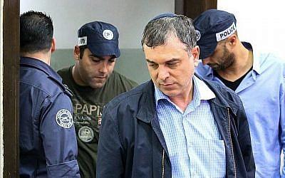 Shlomo Filber, directeur général du ministère de la Communication, arrive pour une audience au tribunal de première instance de Rishon Lezion le 18 février 2018. (Flash90)