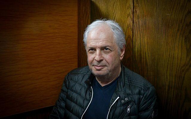 Shaul Elovitch lors de la prolongation de sa détention provisoire dans l'affaire 4000 au tribunal de Tel Aviv, le 22 février 2018. (Flash90)