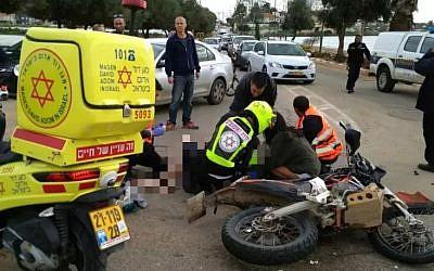 La scène d'un accident à proximité de Kadima, le 23 février 2018 (Crédit :  Magen David Adom)