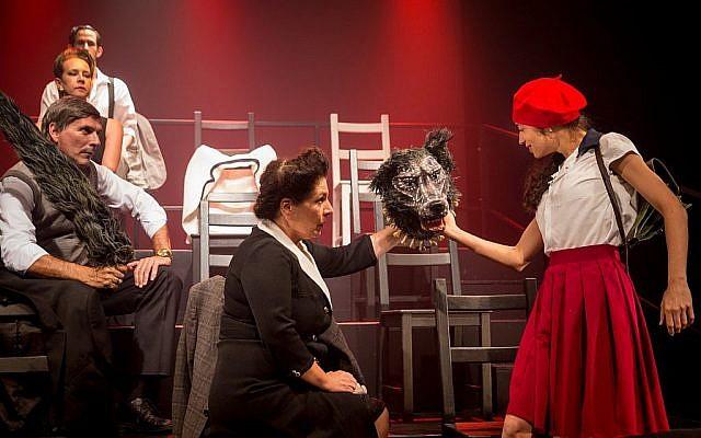 Une scène de 'Tehila' par S.Y. Agnon, Khan Theatre Company. (Yael Ilan)