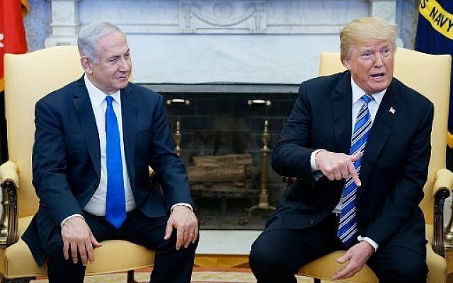 Le président américain Donald Trump s'exprime lors d'une réunion avec le Premier ministre israélien Benjamin Netanyahu dans le bureau ovale de la Maison-Blanche, le 5 mars 2018 à Washington (AFP PHOTO / MANDEL NGAN)