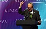 Le sénateur démocrate de New York Chuck Schumer prend la parole à la conférence politique de l'American Israel Public Affairs Committee (AIPAC) à Washington, DC, le 5 mars 2018. (AFP Photo/Nicholas Kamm)